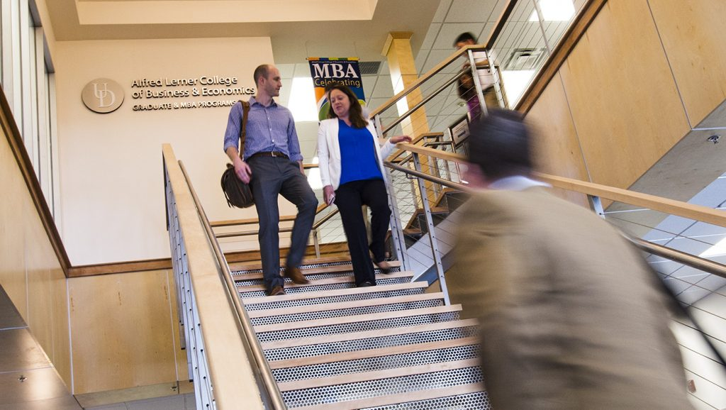 UD LErner MBA students walking to class.