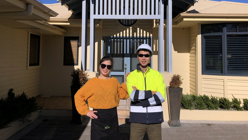 Double Dels Jinya (Catherine) Ren and Haowei (Andy) Xu met during their first UD MBA class. Today they run a top-ranked bed-and-breakfast in New Zealand.